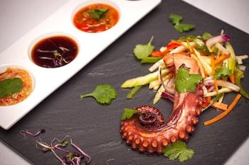 Октопод с пикантен джинджифилов сос
